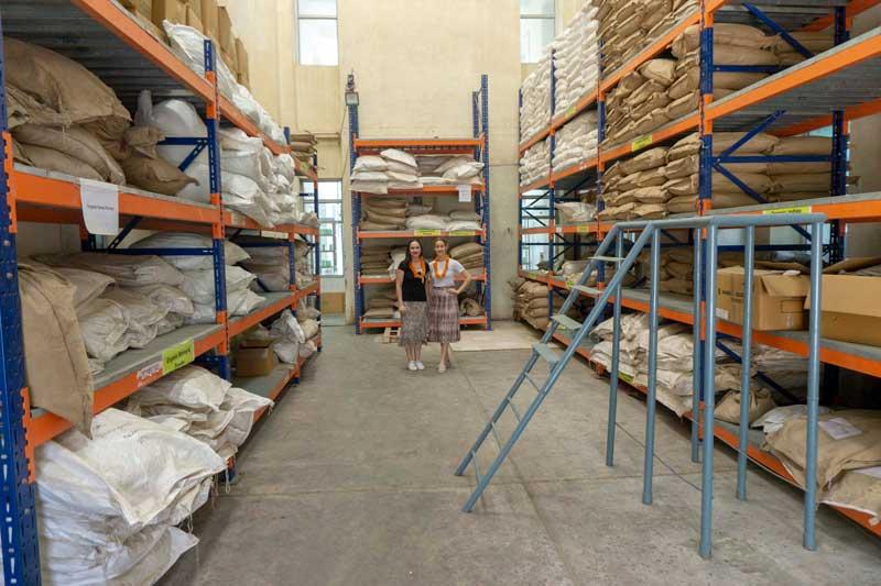 Radico kasviväri tehtaalla raaka-aine varasto