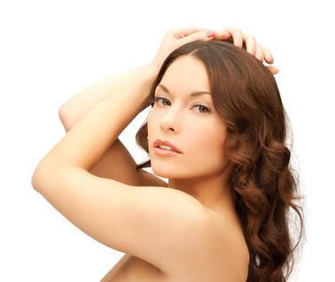 Tee sävytesti osaan Radico Colour Me Organci hiusvärillä värjättävästä alueesta koska lopputulokseen vaikuttaa hiusten kunto värjäyshetkellä, hiustyyppi, harmaiden hiusten määrä sekä synteettisten aineiden jäämät hiuksissä.